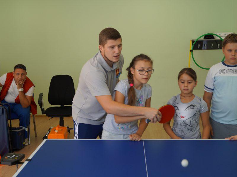 Мастер класс по настольному теннису среди детей инвалидов